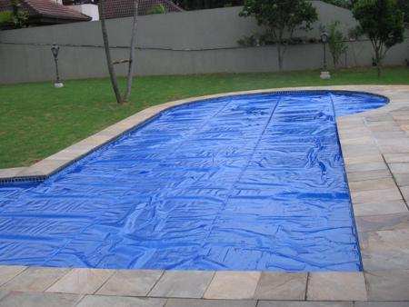 Capas e lonas t rmicas de pisicnas for Lona termica piscina