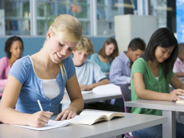 chica-colegio-estudiar