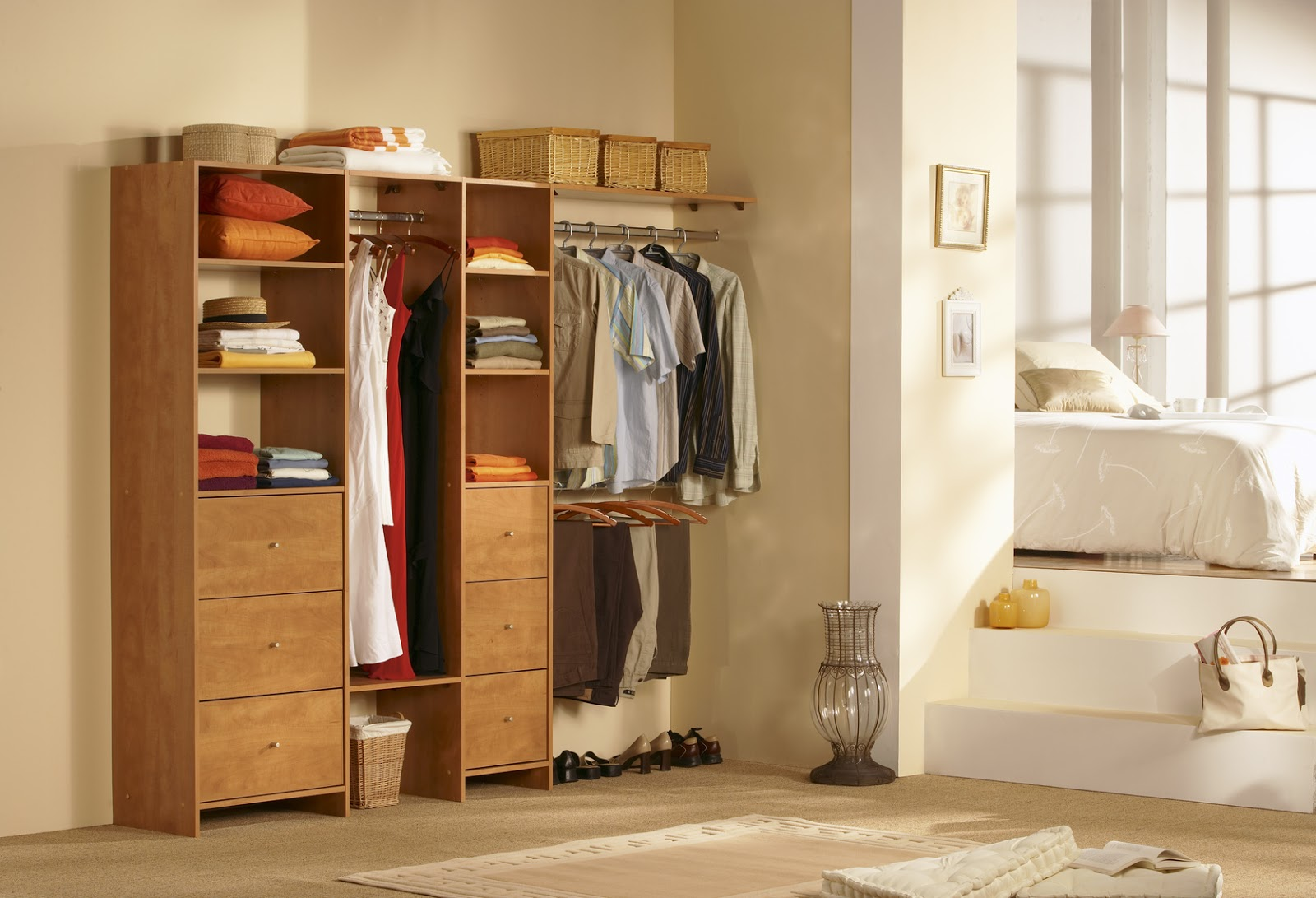 Keep only seasonal clothing in your closet. Use bins old trunk or old suit cases as storage for off season items. 5. Use hooks on your closet walls for ... & S.O.S. the life of an organizer: 10 ways to keep your bedroom closet ...