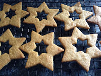 gingerbread tree decorations - not seventies glam shades