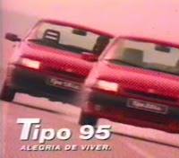 """Campanha de 1995 do Fiat Tipo com a letra da canção """"O Que é, o Que é?""""."""