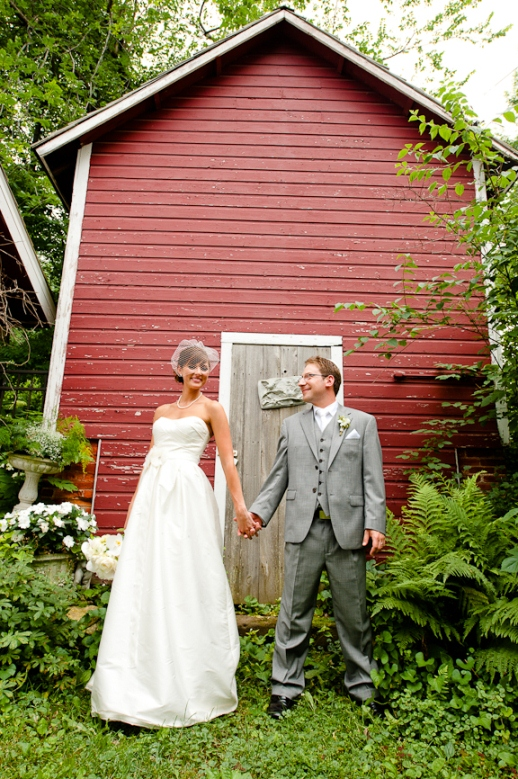 Montgomery mn barn wedding