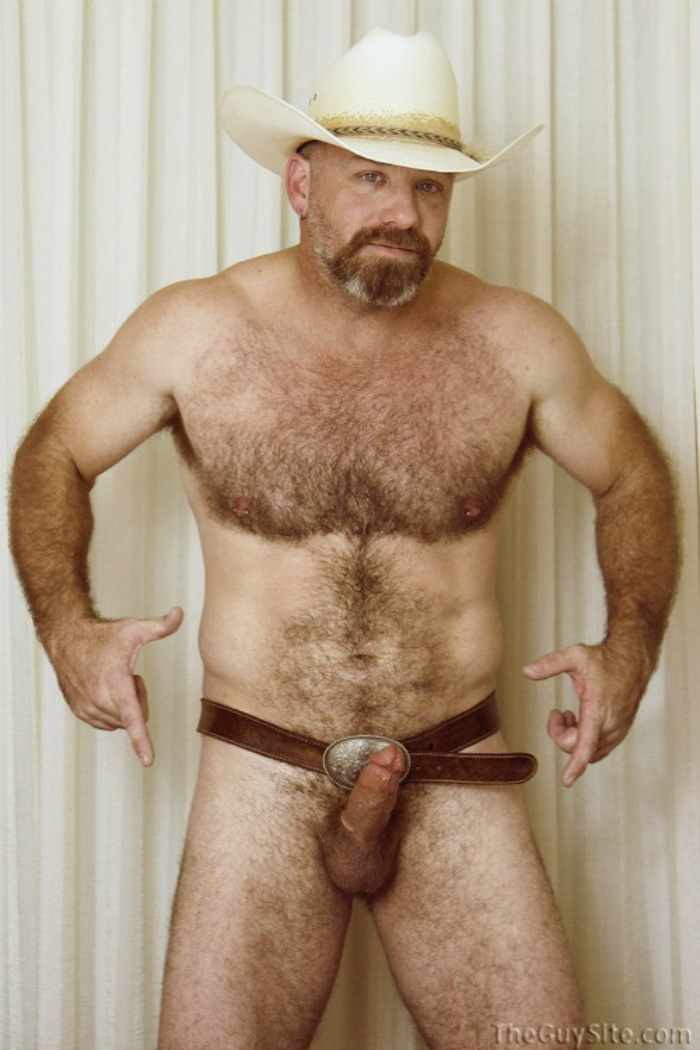 Hairy gay silverdaddy kissing