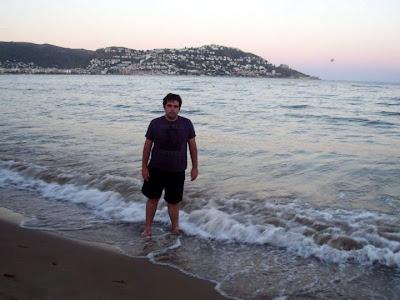 Disfrutando de los últimos rayos del sol en la playa