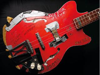 seasick steve's cheap guitar
