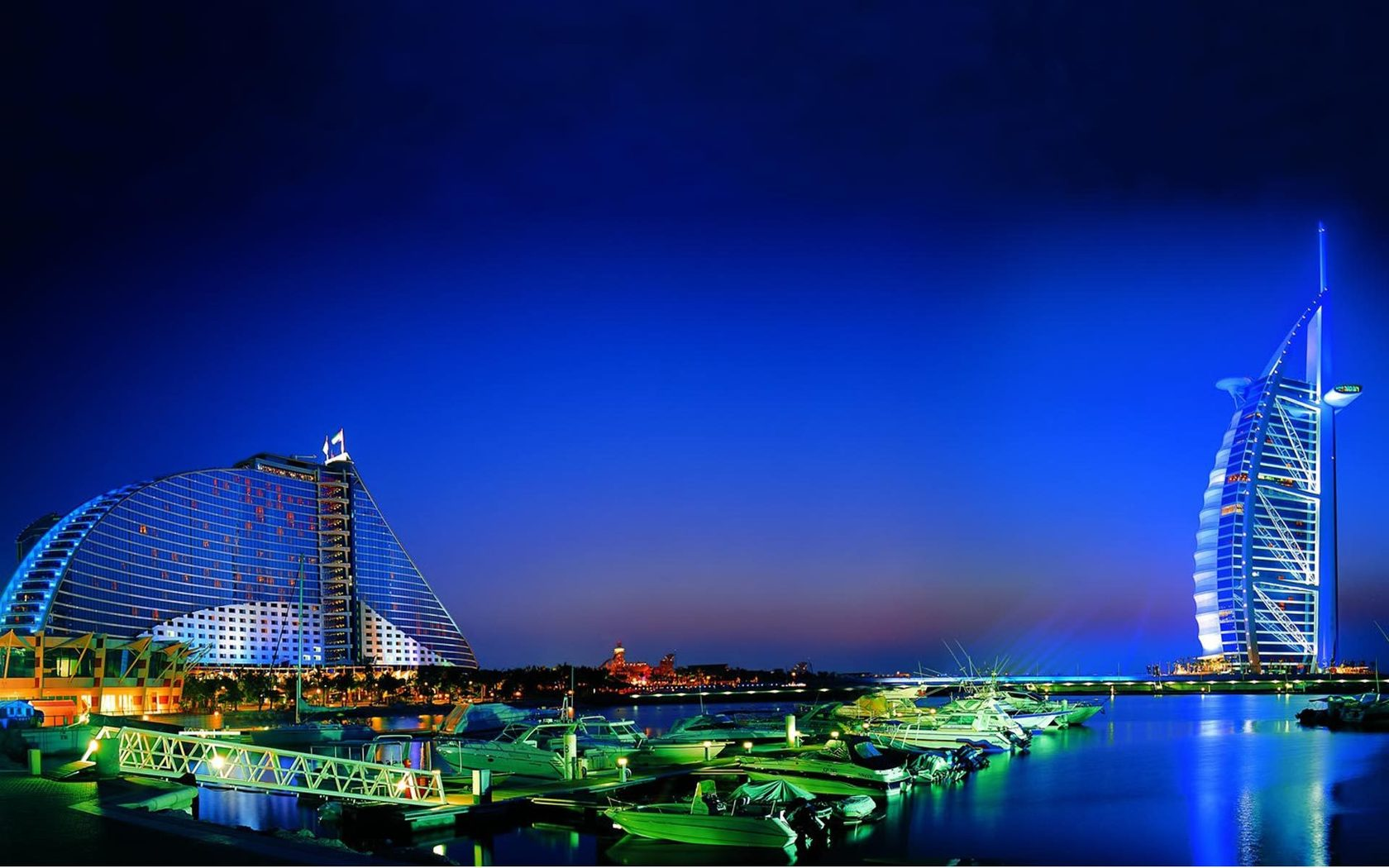 http://3.bp.blogspot.com/-aVk4hesviVc/UKUa3wGJgUI/AAAAAAAAM5E/GI_zNouratE/s1680/dubai_night_view-wallpaper.jpg