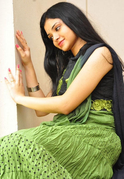 pustakamlo konni pageelu missing movie heroine supraja photos2