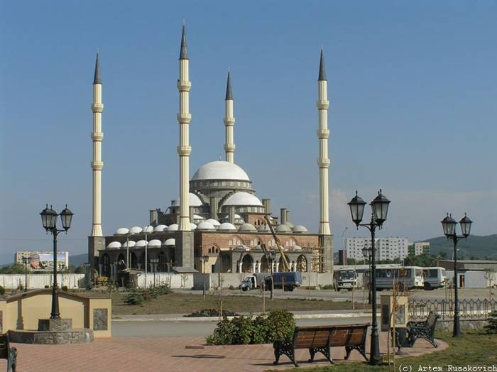 "The Akhmad Kadyrov Mosque (Russian — Mechet Akhmata Kadyrova) is located in Grozny, the capital of Chechnya. It is one of the largest mosques in Russia and is officially known as the ""The Heart of Chechnya"" , Russian — Serdtse Chechni). The mosque is named after Akhmad Kadyrov who commissioned its construction from the mayor of Konya. The mosque design with a set of 62-metre (203 ft)-tall minarets is based on the Blue Mosque in Istanbul. On October 16, 2008, the mosque was officially opened in a ceremony in which Chechen leader Ramzan Kadyrov spoke and was with Russian Prime Minister Vladimir Putin. In this mosque, ten thousand Muslims can pray at a time and its minarets reach 62 metres (203 ft) high."