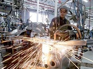 L'activité industrielle en chute en février