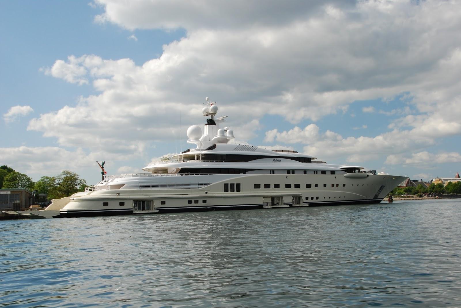 Pelorus Superyacht Starboard