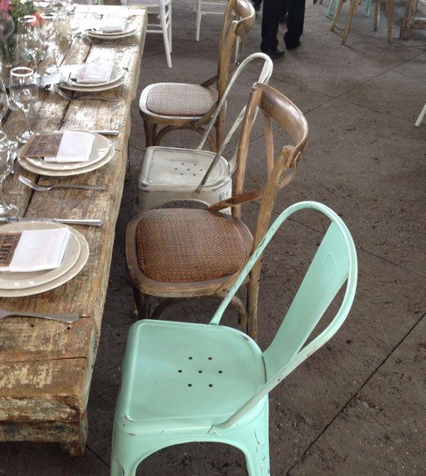 Mezcla de sillas boda hipster