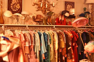 http://3.bp.blogspot.com/-aVz3aNxUqwE/TbiwqFh1elI/AAAAAAAAAhY/lzDnMhQjhpw/s1600/bleubird+vintage.jpeg