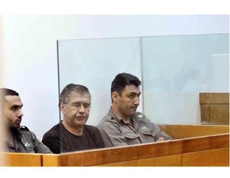 הפסיכיאטר לאוניד אומנסקי בבית המשפט צילום: דודו אזולאי