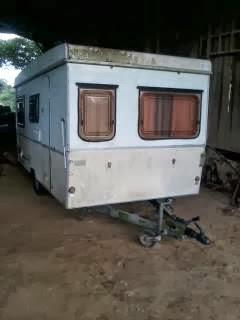 M catrelle breizh transformation d 39 une caravane en plateau for Caravane chambre 19 meubles