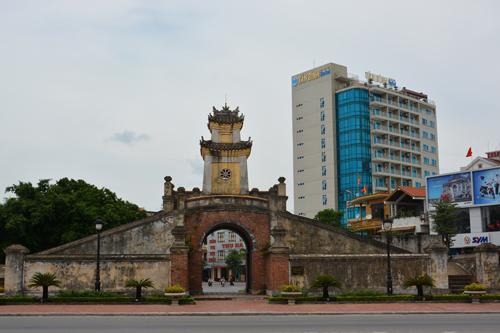 cho thuê xe ở tại Quảng Bình- Quảng Bình Quan