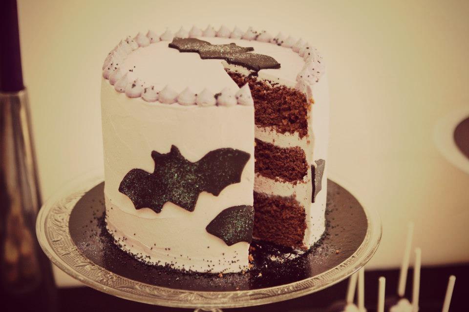 gros gâteau et plateau halloween