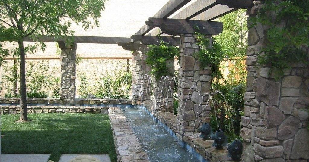 Fuente de agua en jardin patios y jardines - Fuentes para patios ...