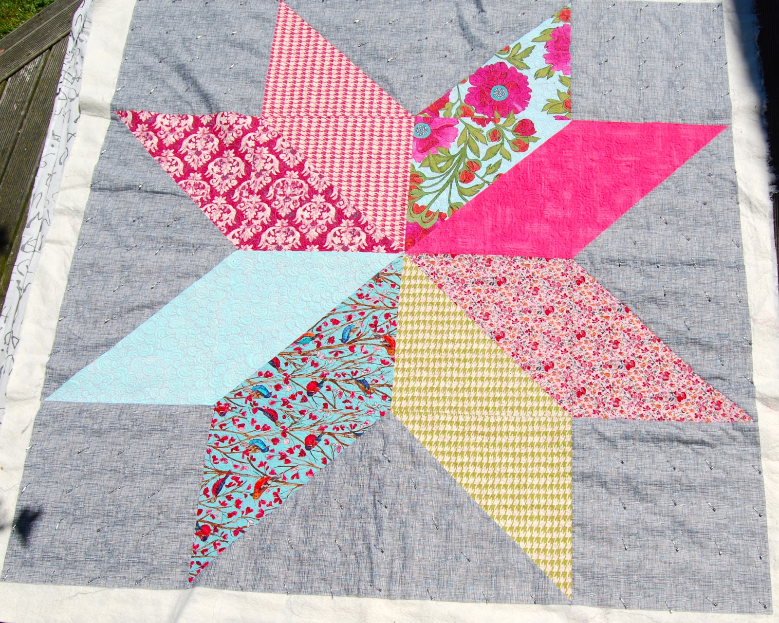 On the Windy Side: Giant star quilt - FMQ : giant star quilt - Adamdwight.com