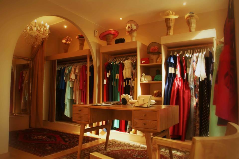 Interiorismo y decoracion lola torga una tienda de ropa for Decoracion de interiores locales de ropa