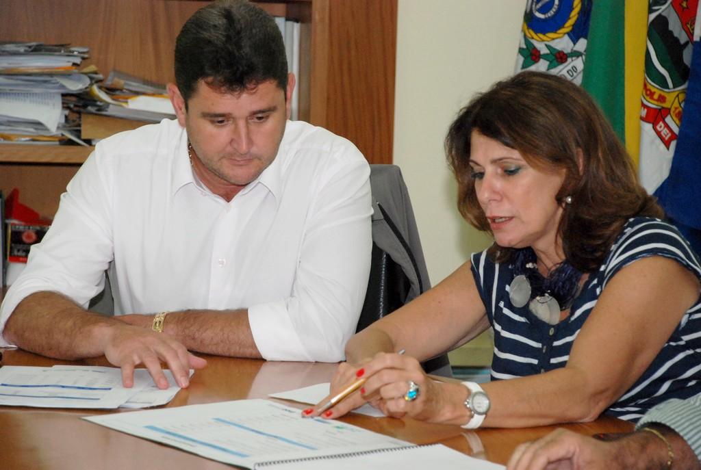 Prefeito Arlei recebe a presidente do Inea, Marilene Ramos, que anuncia novas obras para o município