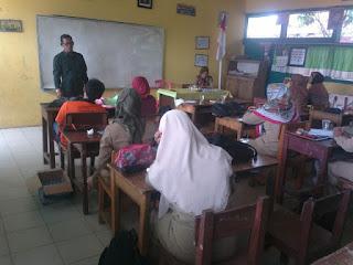 Pengarahan Oleh Pengawas Gugus I Dalam Persiapan Sekolah Percontohan Tingkat Provinsi Jambi