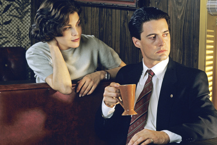 Twin Peaks - Sherilyn Fenn Returning
