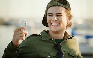 Inilah Aplikasi Yang Bikin Anda Tersenyum