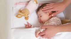 Bebekler Tehlikeli Uyku Ürünleri ile Uyuyor
