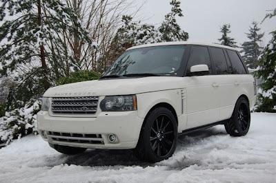 Range Rover on Black wheels