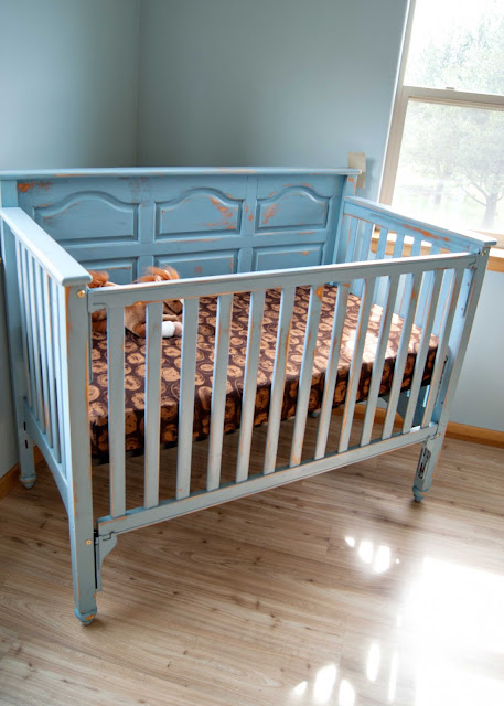 Crib Makeover using chalk paint
