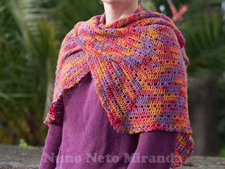 """alt=""""Crochet shawl, Easyknits twinkle lace, xaile em crochet"""""""