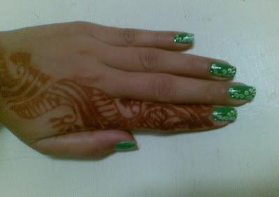 cool nails with mehdi design by pari sangha