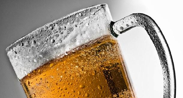 Cozinhar carne com cerveja pode proteger do câncer