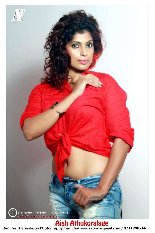 Aish Athukoralage tummy