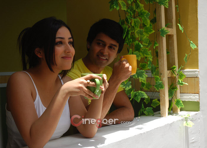 ami Gautam Nuvvila drinking coffee - Yami Gautam Nuvvila Stills
