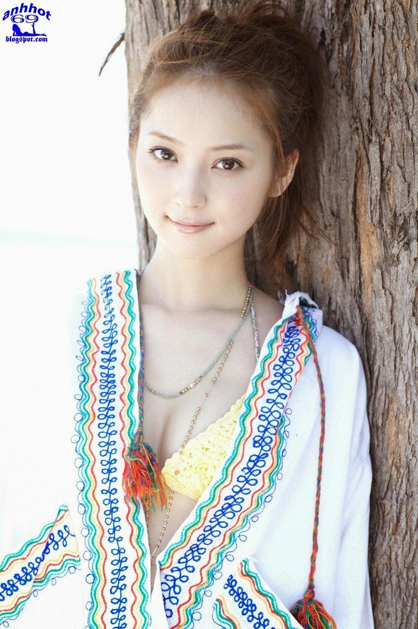 nozomi-sasaki-01141393