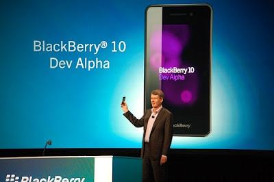 Si tienes un BlackBerry Dev Alpha, te alegrará saber que se ha filtrado una versión BETA. El Sistema Operativo se ha actualizado para los dispositivos BlackBerry Dev Alpha STL-100-1 a la versión 10.0.10.648 pero desgraciadamente tendrás que tener una PC con Windows para poder instalarla. No sabemos que hay de nuevo en está versión aún, puede que algunos problemas sean corregidos y también puede que aparezcan unos nuevos ya que es una versión BETA (si no sabes cuál es el modelo de tu dispositivo, ve a Configuración> Acerca de). Como saben está versión es BETA y no nos hacemos responsables