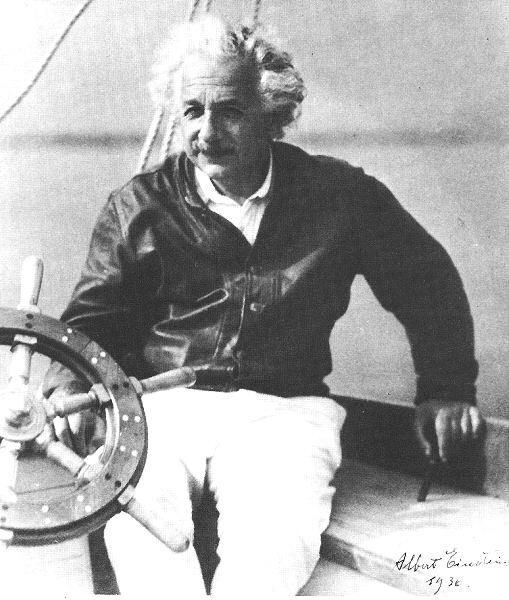 40 قول رائع من أقوال أينشتاين einst_sail.jpg