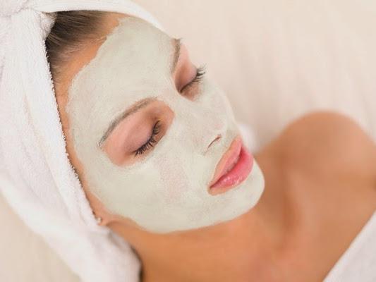 Máscara caseira para remover cravos da pele