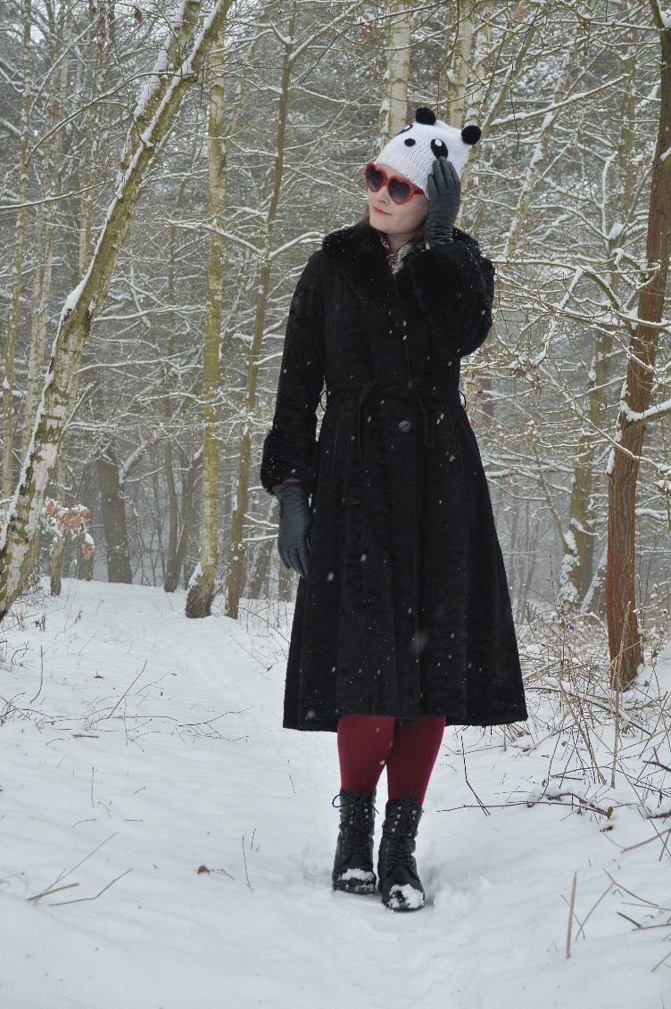 fake fur coat, winter outfit, panda, fashionista, quaintrelle, georgiana, quaint, ootd