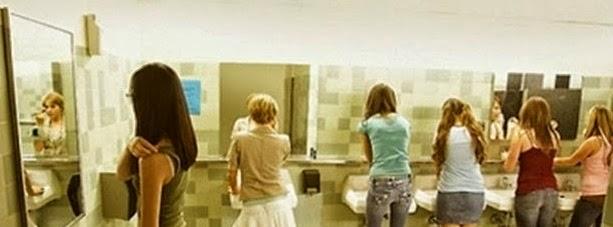 Alasan Kenapa Wanita Selalu Barengan Jika Ke Toilet