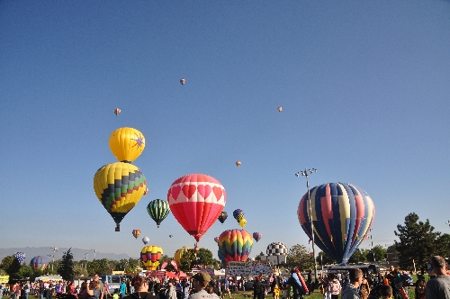 Colorado Springs balloon festival jamestravelpictures.blogspot.com