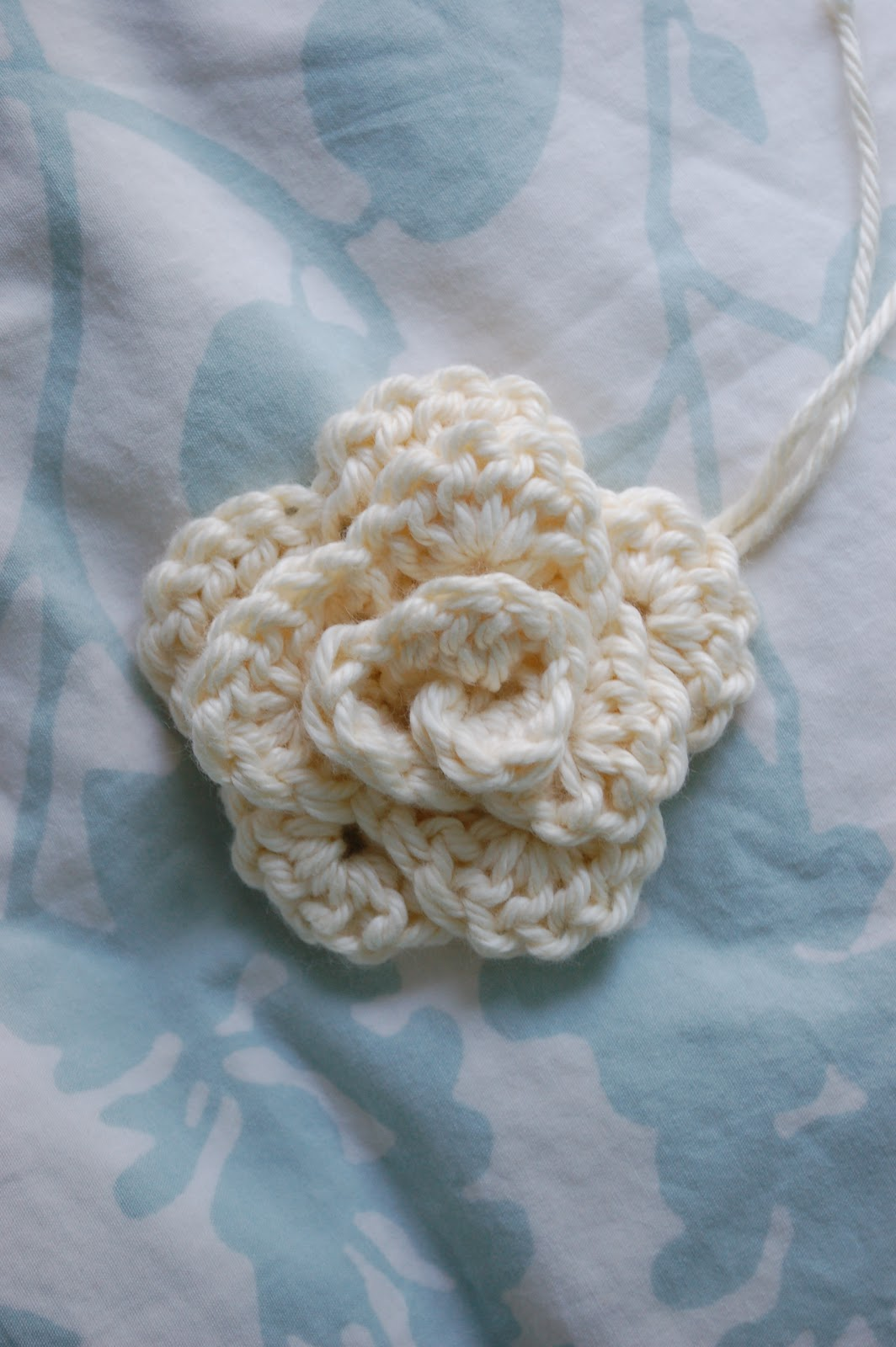 Crochet Rose Pattern No Sew : Alli Crafts: Free Pattern: No-sew Rose