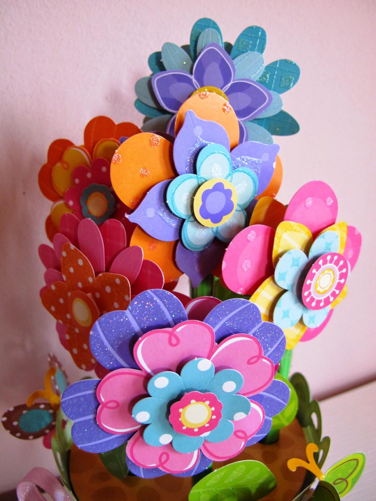 Angolino di liana cestino di fiori di carta for Fiori di cartoncino