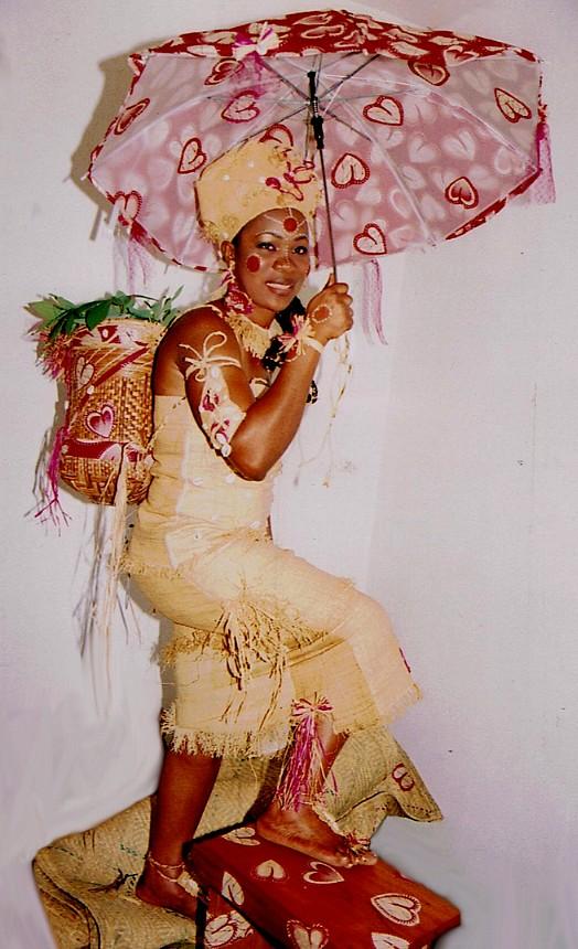 Laetitia au confluent de plusieurs traditions se marie à Franceville ...