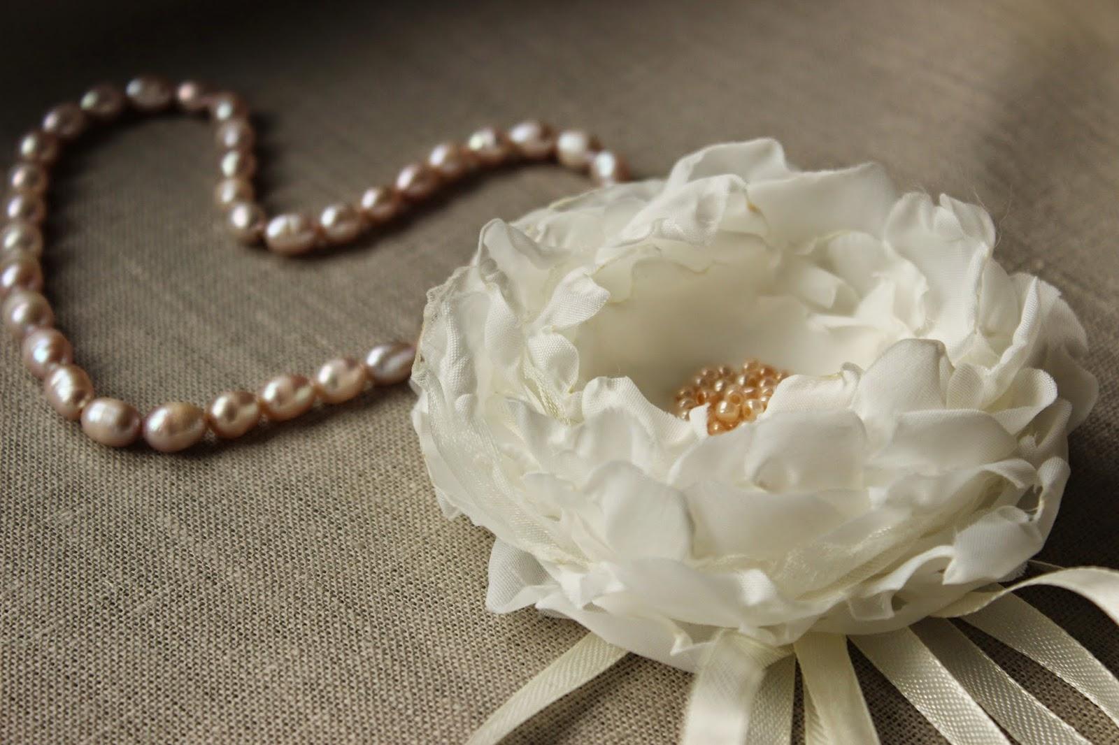 свадебные аксессуары, украшение для невесты. подушка для колец, подушечка для колец, для свадьбы, свадебное, декор для свадьбы, текстильный цветок, украшение на запястье, цветы невесты