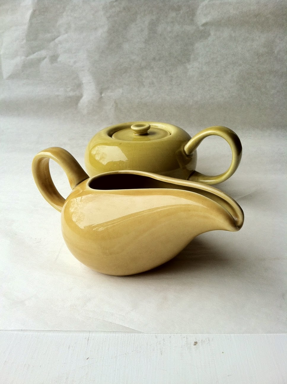 https://www.zibbet.com/second-story/russel-wright-sugar-bowl-and-creamer