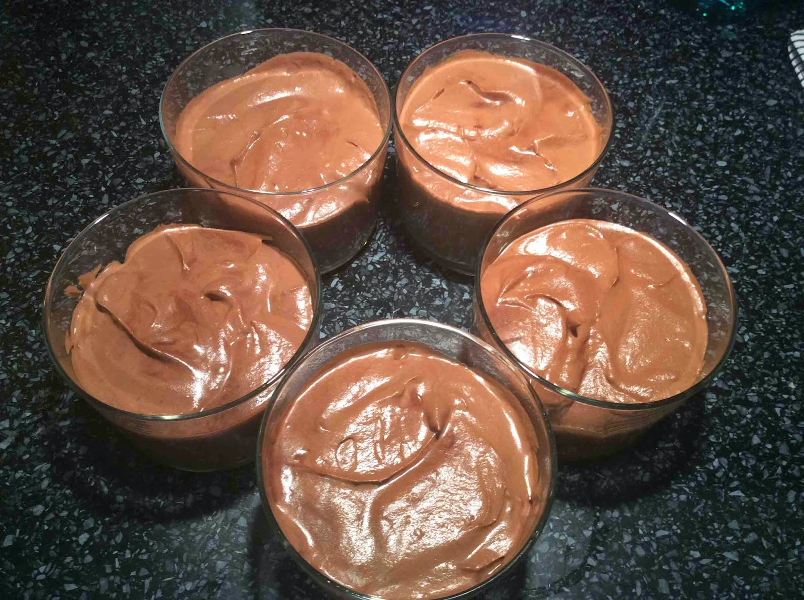 Mousse de chocolate en vasitos