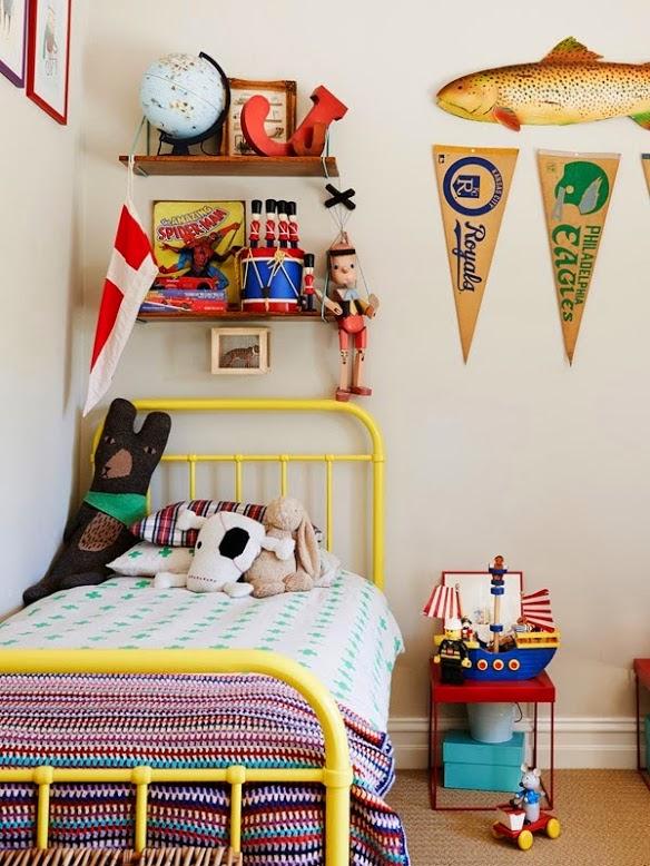 paredes blancas en la habitación infantil - la habitación infantil