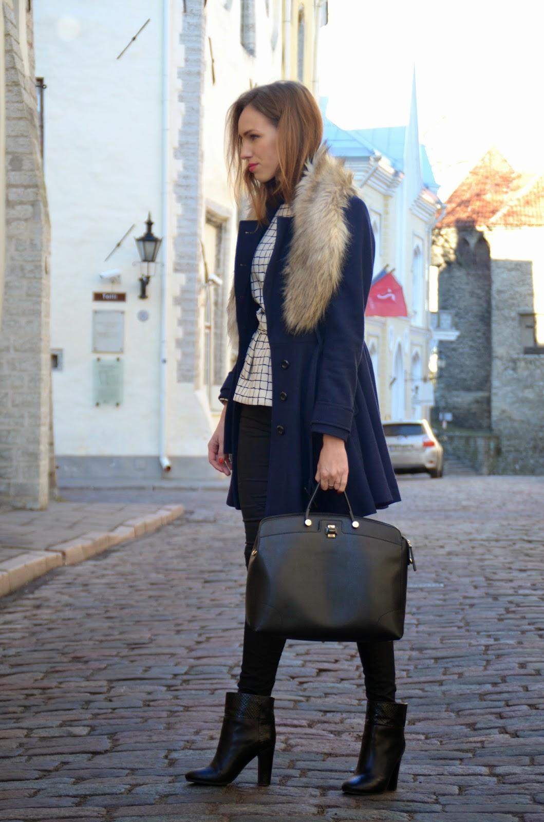 fur-collar-wool-coat-furla-black-bag-chloe-ankle-boots kristjaana mere